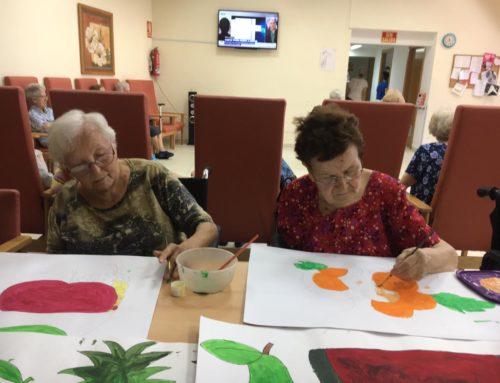 El Centro de Día para Mayores Abastos colabora con la Campaña solidaria de recogida de juguetes para La Fundación XAM