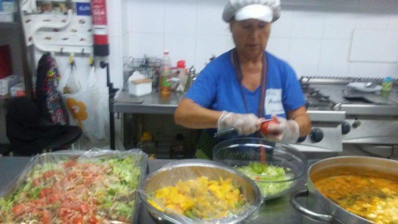 Menús caseros en cocina Centro de Día Abastos