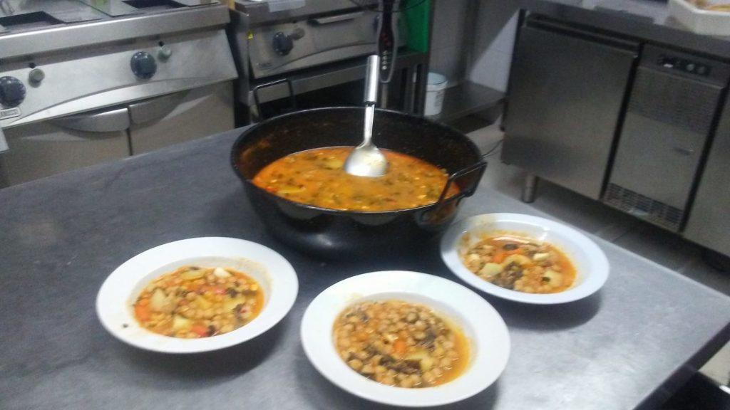 cocina casera en Centro de Día Abastos
